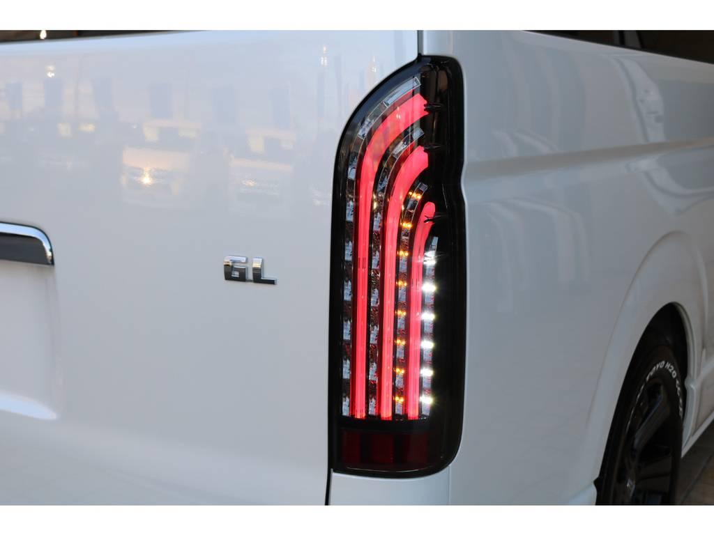 フルLED搭載♪ | トヨタ ハイエース 2.7 GL ロング ミドルルーフ TSS付Ver2テーブル付 試乗車