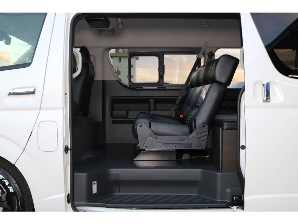 3人掛けREVOシート♪ | トヨタ ハイエース 2.7 GL ロング ミドルルーフ 4WD TSS寒冷地付アレンジAS