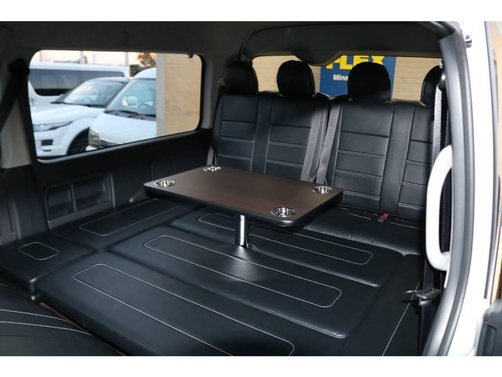 セカンドシート後方はベッドキット&テーブル装備♪ | トヨタ ハイエース 2.7 GL ロング ミドルルーフ 4WD TSS寒冷地付アレンジAS