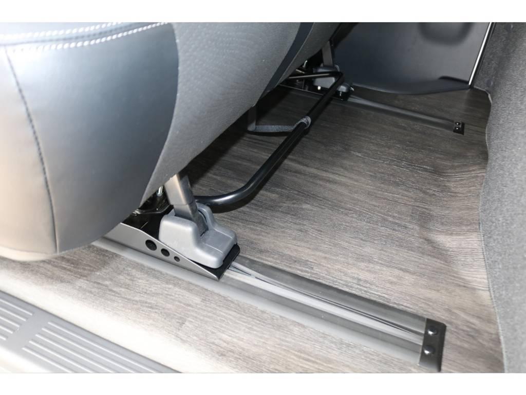 セカンドシートはスライドレール装備♪ | トヨタ ハイエースバン 2.7 スーパーGL ダークプライムⅡ ワイド ミドルルーフ ロングボディ 4WD アクティブPKG