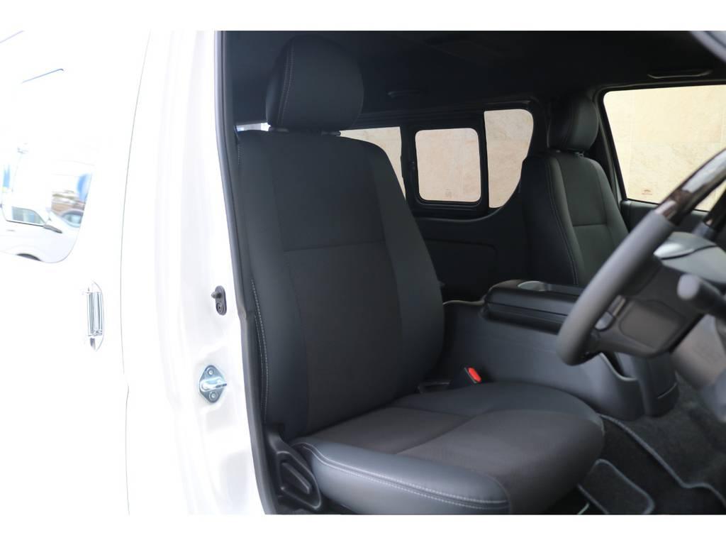 全席ハーフレザーシート♪ | トヨタ ハイエースバン 2.7 スーパーGL ダークプライムⅡ ワイド ミドルルーフ ロングボディ 4WD アクティブPKG