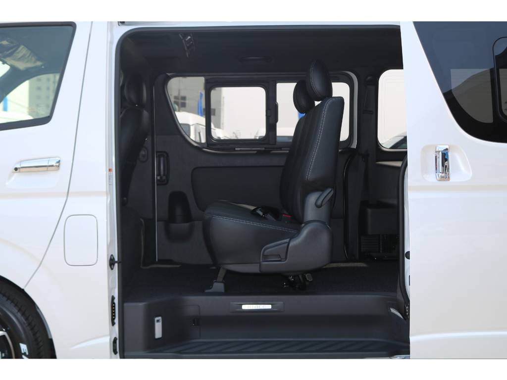 3人掛けセカンドシート♪ | トヨタ ハイエースバン 2.0 スーパーGL ダークプライムⅡ ロングボディ PS無