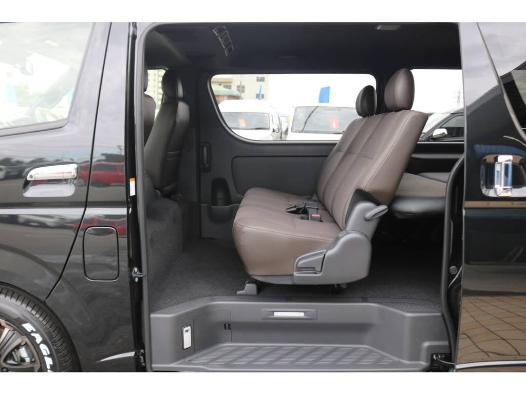3人掛けセカンドシート♪ | トヨタ ハイエースバン 2.0 スーパーGL 50TH アニバーサリー リミテッド ロングボディ FLEX CUSTOM