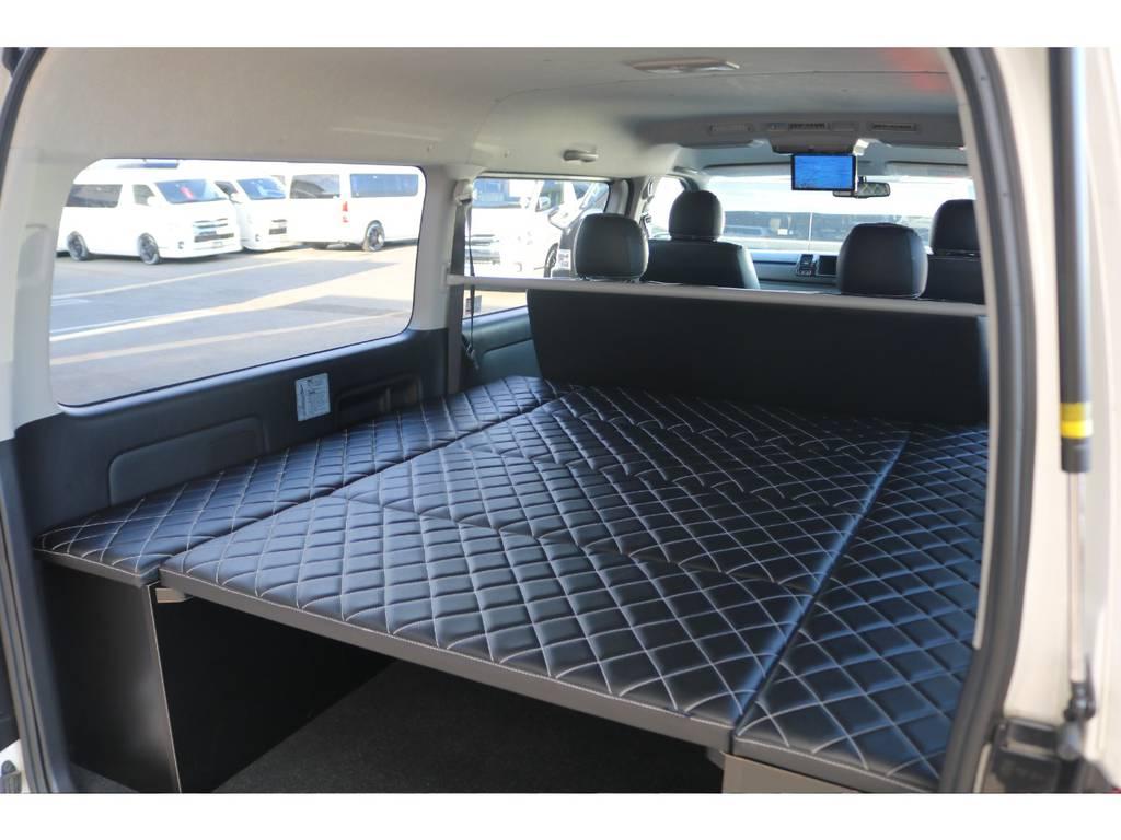 シートカバーに合わせたキルティングベッドマット♪ | トヨタ レジアスエース 2.7 スーパーGL ダークプライム ワイド ミドルルーフ ロングボディ 4WD