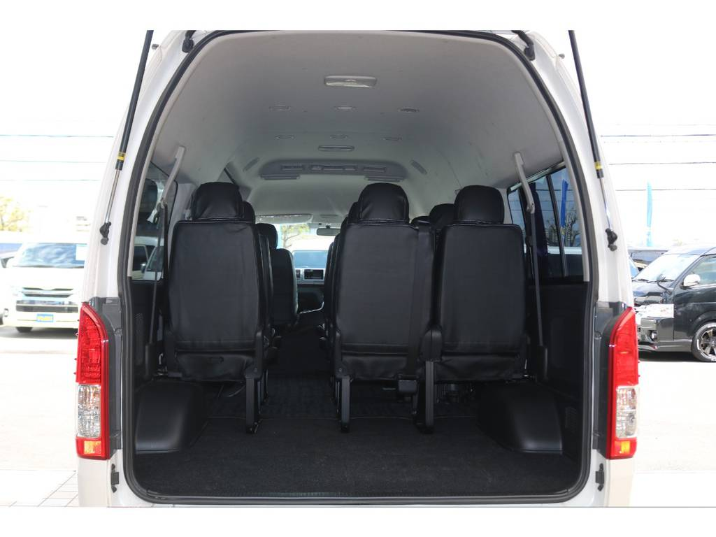 10人乗車してもこの荷室スペース確保♪ | トヨタ ハイエース 2.7 グランドキャビン 4WD