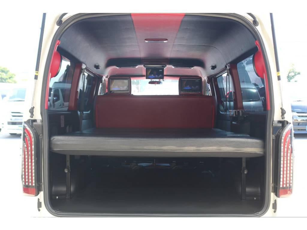 ルーフはブラック×レッドのレザー張り施工済み♪ | トヨタ ハイエースバン 2.7 スーパーGL ワイド ロング ミドルルーフ 4WD GIBSONフルエアロ