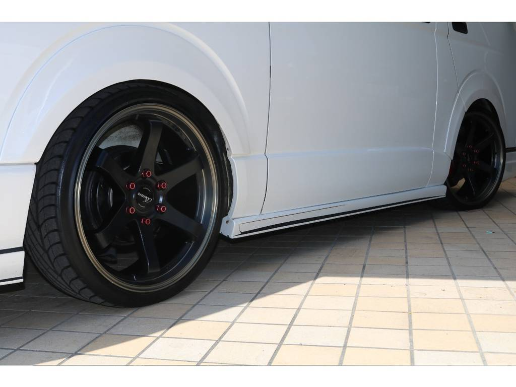 オーバーフェンダー・舞杏20インチホイール♪ | トヨタ ハイエースバン 2.7 スーパーGL ワイド ロング ミドルルーフ 4WD GIBSONフルエアロ