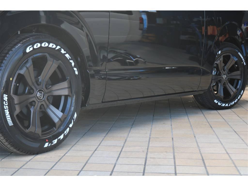 FLEXバルベロ グランデ17インチAW&ナスカータイヤ