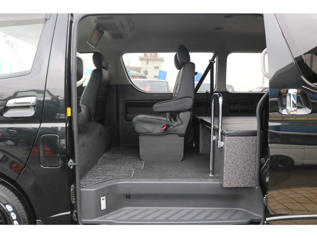 2列目シートにも新品オリジナルシートカバー装備